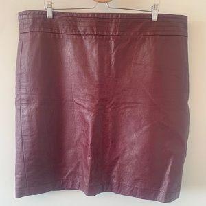 Burgundy / Faux Leather / Skirt